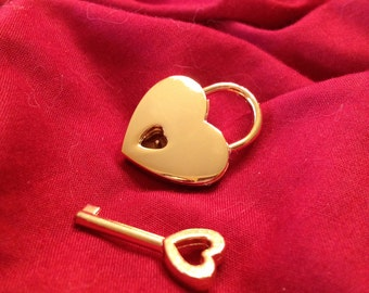 Small Heart-shaped Gold Colored Working Padlock