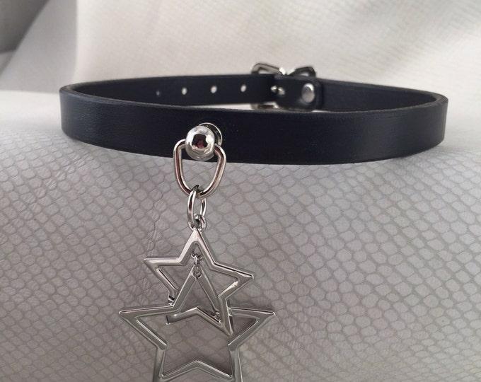 Dangling Stars Black Leather Bondage Ring Collar