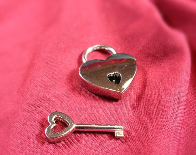 Small Heart-shaped  Nickel Plated Working Padlock