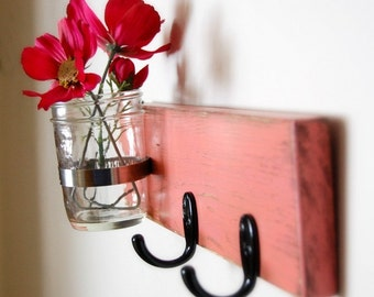 CORAL wall vase and hooks