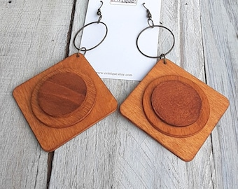 Who Dat map collectible memorabilia earrings mPER282 Louisiana state booth symbol earrings Small lightweight wooden comfortable earrings