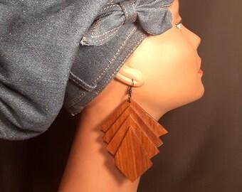 Fan Shaped Wood Cut Earrings-mPER582