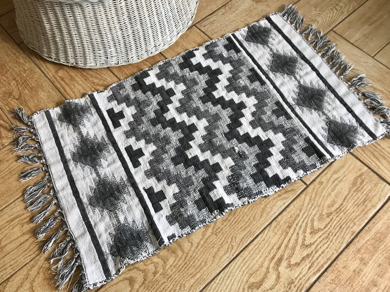 White And Grey Rug Bohemian Or Western Style Small Area Rug Ethnic Hallyway Kitchen Or Entryway Rug Vintage Geometric Boho Decor Rug