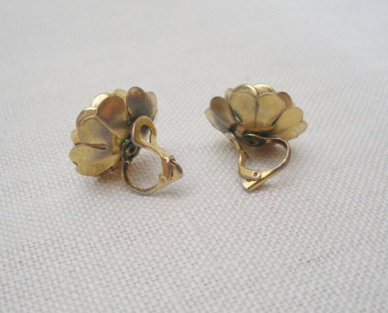 Screw Back Vintage Ivory Enamel Flower Earrings