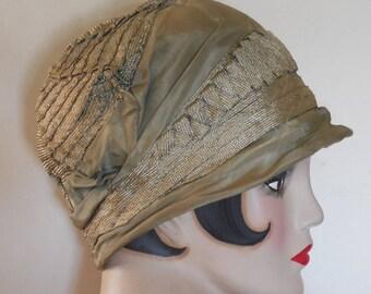 Vintage 1920 Sea Foam Green Silk Cloche