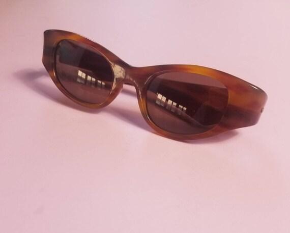 Vintage 1950's Tortoise Design  Cat Eye Sunglasses