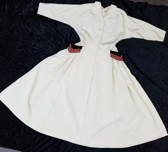 Gorgeous 1950's Hostess Dress Full Circle Skirt