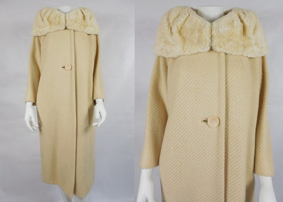 1950's Vintage Cream Long Coat with Big Fur Collar