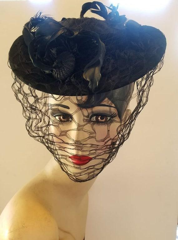 1930's 1940's Vintage Black Wool Tilt Hat Excellen