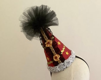 Clown hat - Circus Costume - Red circus hat - Burlesque hat - Carnival hat.