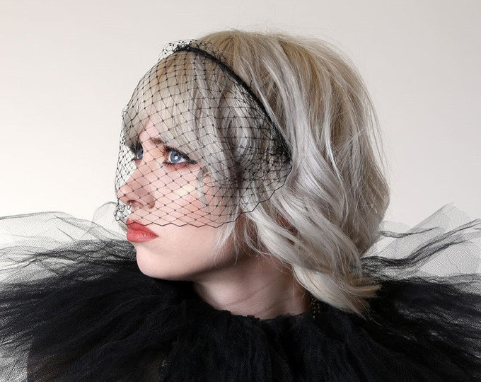 navy white black veil headband ivory. Jennifer Lawrence style veil