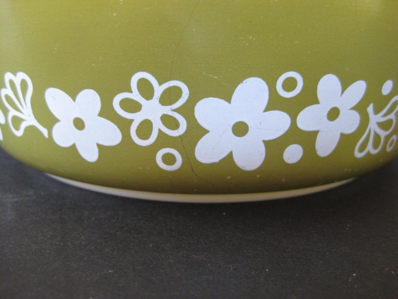 Retro Mod Avocado Flower Power Spring Blossom 1 Pint Pyrex Bowl on Etsy by TheRetroLife crazy daisy lid 1970s milkglass ovenware