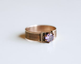 Antique Victorian 10k gold amethyst solitaire ring / 1900s gold and purple gemstone band ring / antique gold jewelry