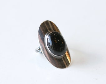 1980s sterling and onyx mod ring / 80s vintage silver and black onyx gemstone circular statement ring size 6.75