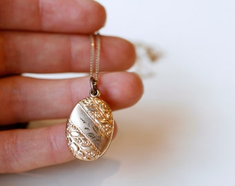 Antique Victorian gold fill fob pendant necklace / 1900s puffy gold oval watch fob necklace / etched gold filled antique necklace