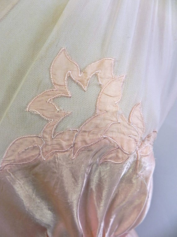 Vintage 1930s 40s Lux Pink Satin and Silk Night D… - image 3