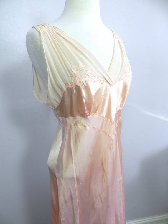 Vintage 1930s 40s Lux Pink Satin and Silk Night D… - image 4