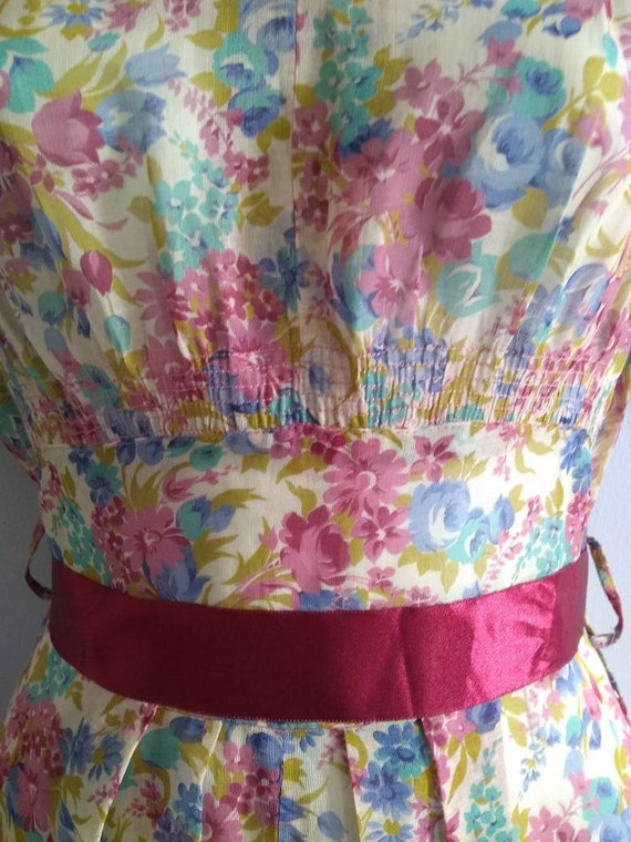 Vintage 30s Dress with Lovely Deco Flowers and pu… - image 6