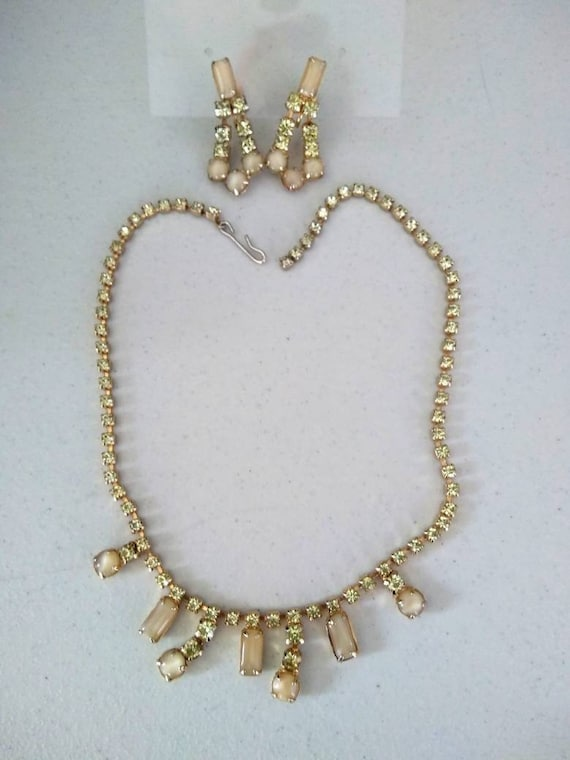 Vintage 40s Necklace and Earring se Rare Colour -