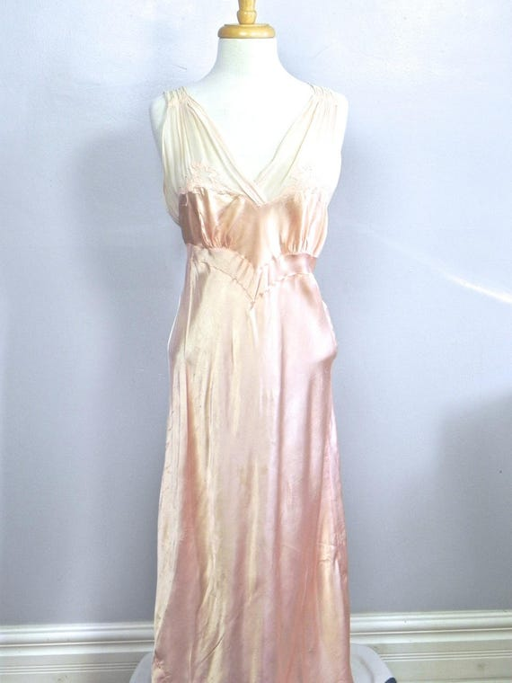 Vintage 1930s 40s Lux Pink Satin and Silk Night D… - image 8