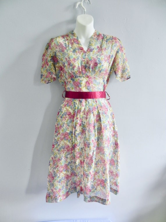 Vintage 30s Dress with Lovely Deco Flowers and pu… - image 2