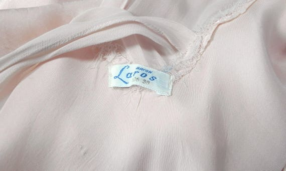 Vintage 1930s 40s Lux Pink Satin and Silk Night D… - image 9