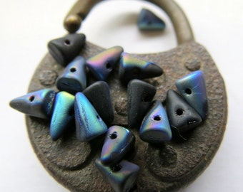 SALE JET CONES. Czech Pressed Glass Beads . 5 by 7 mm  (20 beads)