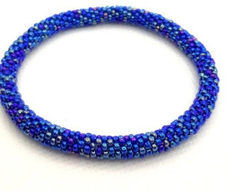Opaque dark rainbow blue bangle bracelet tubular seed bead crochet bangle