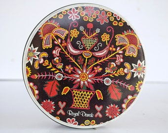 7366a2cd87ed STORAGE TIN Royal Dansk HEDEBO National Museum Copenhagen Denmark Designs  Flowers crewel embroidery Mid Century Danish Mod Retro Modern 22