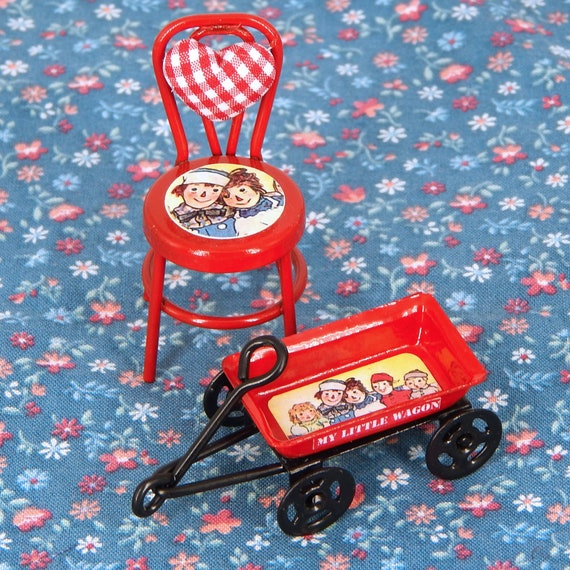 1//12th Scale Dollhouse Miniature Set of 2 Raggedy Ann /& Andy Child Chairs Cute!!