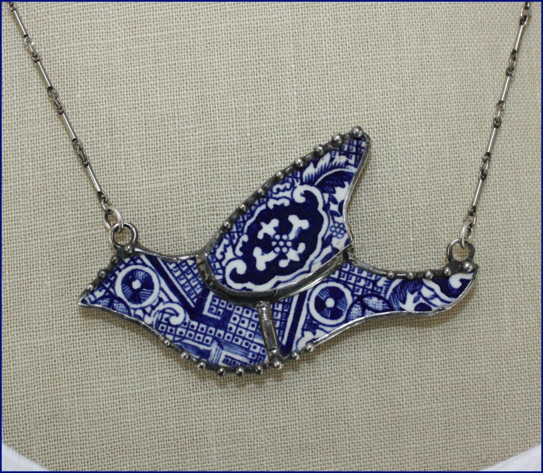 Blue Willow birds broken china necklace