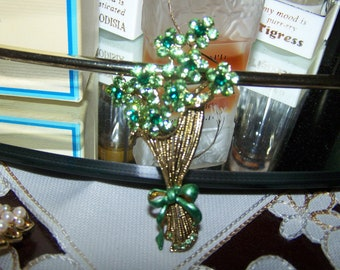 mid century brouch green floral spray