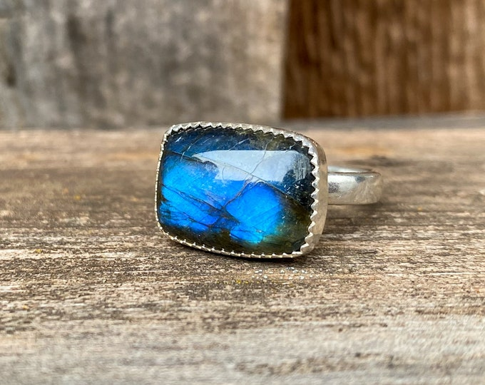Labradorite & Sterling Silver Ring Size 8.75