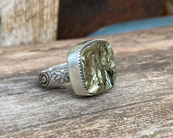 Pyrite & Sterling Silver Ring with floral band Size 8