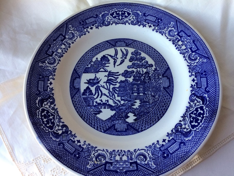 Royal China Cavalier Ironstone Blue Willow Plate transfer ware 10 inch  dinnerware