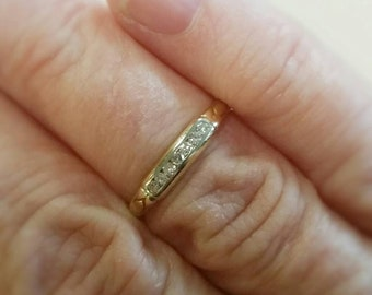 Vintage Romantic Two Tone 14kt Gold Diamond Wedding Band Size 5 1/8