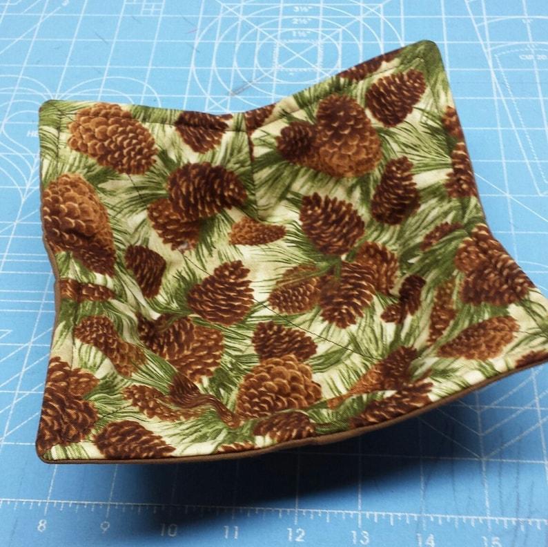 MICROWAVE BOWL HOLDER SMBH108 Pine Cone Fabric
