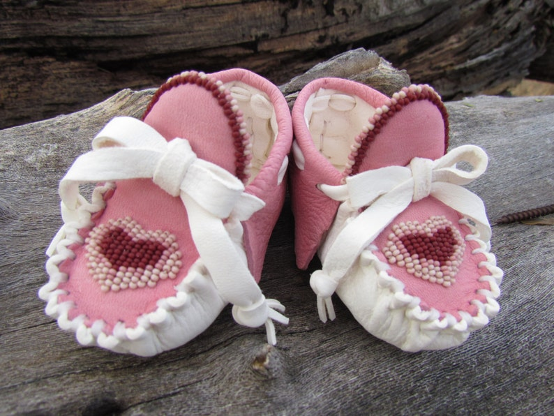 887258e33e5bb Baby Moccasins By Desi, Beaded Heart, Valentine's Day Gift, White, Pink  leather, 3/6 months, Girl, Infant, dress shoes, Boho, Hippie, Love
