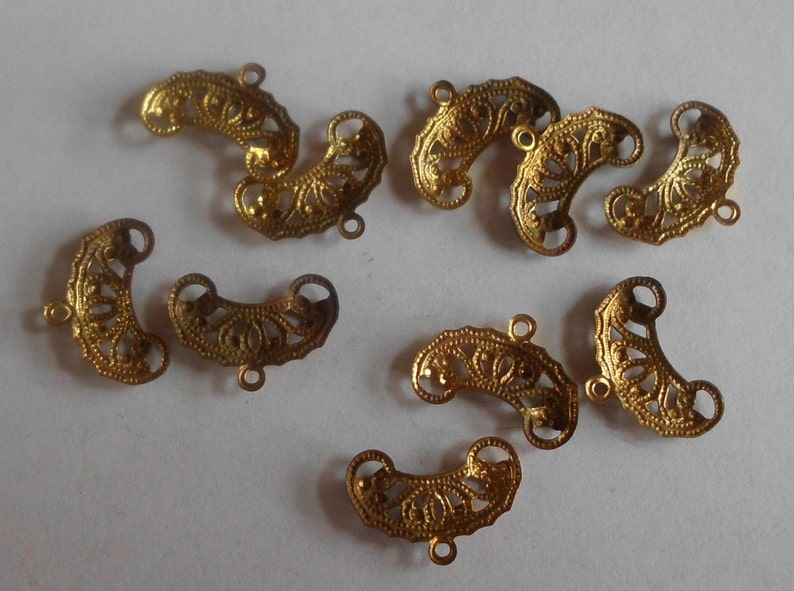 Gold Plated Brass Rustic Distressed Jewelry Components Vintage Jewelry Findings Filigree Vintage Charms Set of 10 Patina