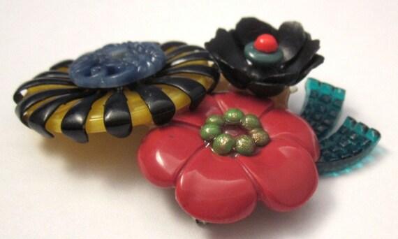 Vintage Plastic Flowers Brooch Colorful Pin - image 3