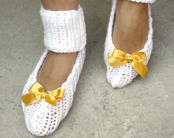 Snow White Knit Slippers / Knitted Socks with Saffron Ribbon Bow / Handmade Gift / Bridal Slippers / Yoga Socks / Dancing Leggings