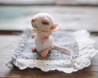 Needle felted mouse Wool felt mice Felt Toy Miniature Woodland toy Felted Mice Realistic mice of felt Animal felted mice Animal felted rat