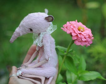 Mother's Day gift Pink rat Home decor Art creature Ghost doll Poseable animal toy Felt mouse Miniature mouse figurine Dark art macabre doll