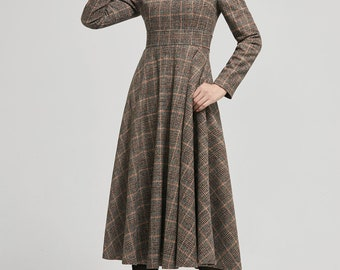 Small   #3731 Vintage 50s Brown Wool Dress wKick Pleat in Back