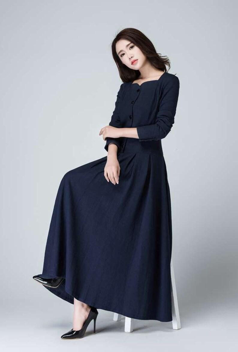 Blaues kleid lange arme