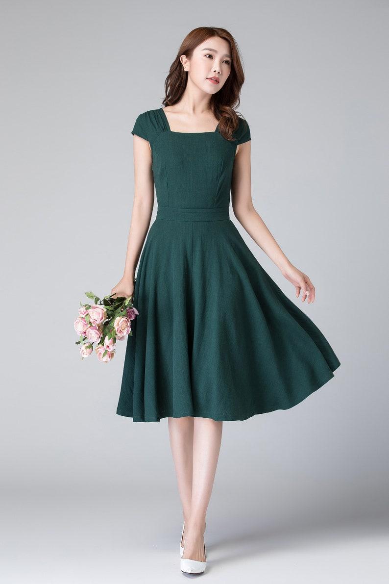 4f38bc0c97f0 Un abito di linea 50s abito abito in lino e vestito verde