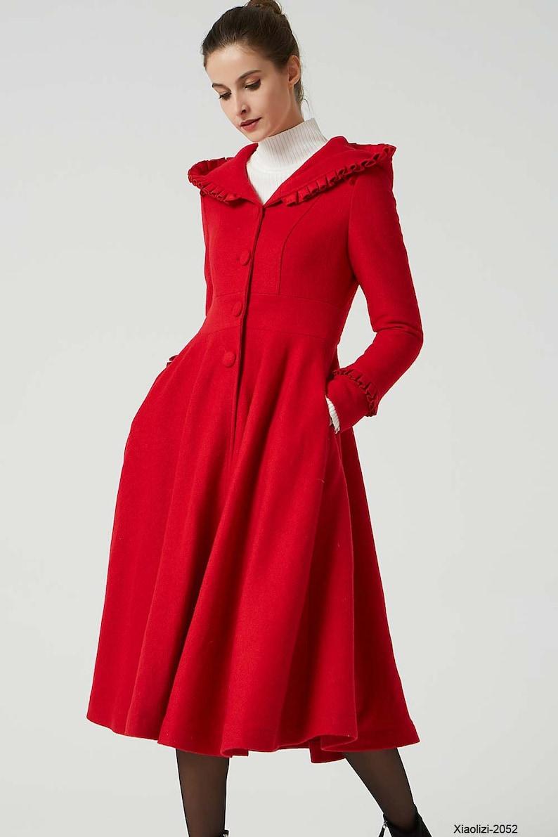 510475bf1c21fd Rode wollen jas capuchon jas ruffle wollen jas lange jurk