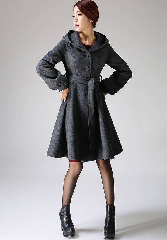 Grauer mantel mit kapuze damen