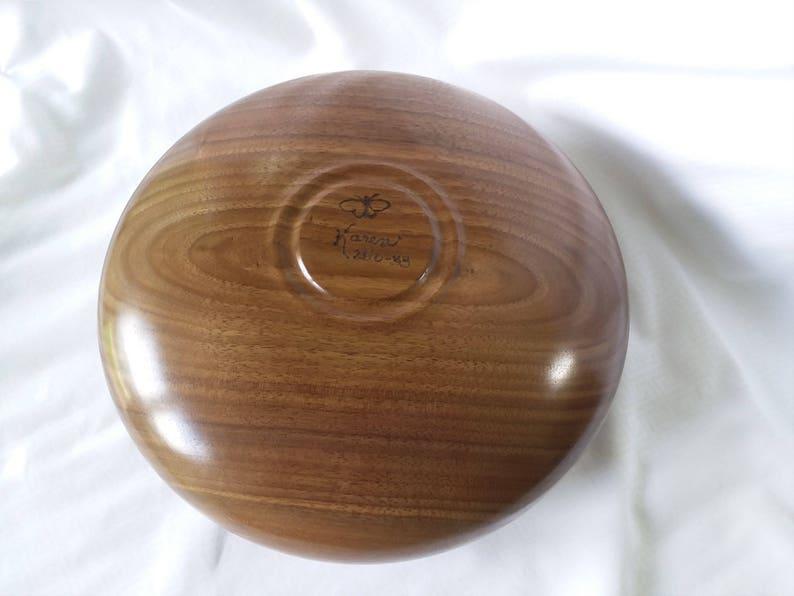 Bol en bois tourné à la main - Noyer noir - Salad Bowl