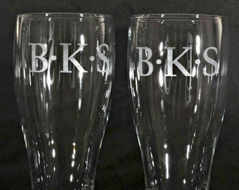 Etched Personalized Pub Pilsners set Monogrammed, Custom for Groomsman, Best Man, Corporate Event, Sand-Carved  by Jackglass on Etsy